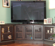 Entertainment Center/TV Stand
